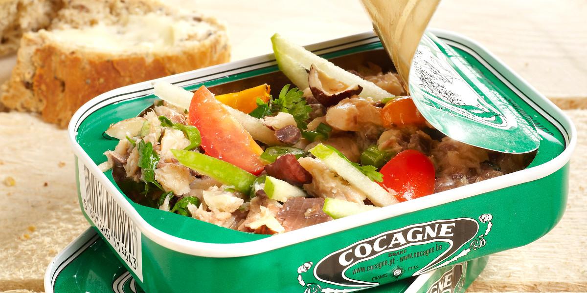 Sardines met granny smith, fijne groene kruiden, geroosterde hazelnoot & Blanche de Namur